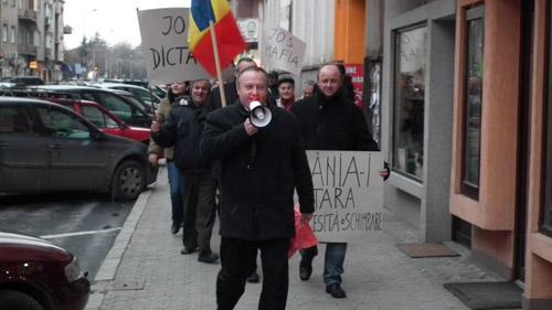 30 de membri PPDD au ieşit la protest (foto+video)