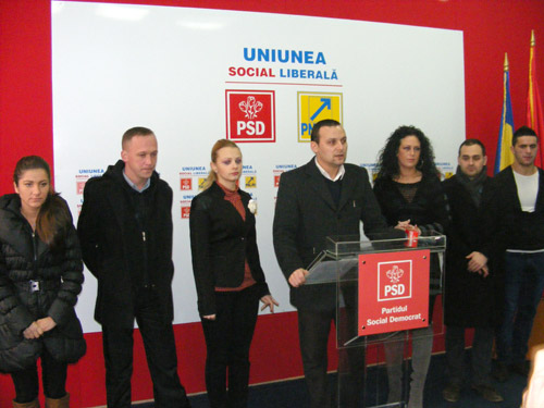 Tinerii social-democrați sătmăreni critică Guvernul Boc și pe președintele Traian Băsescu