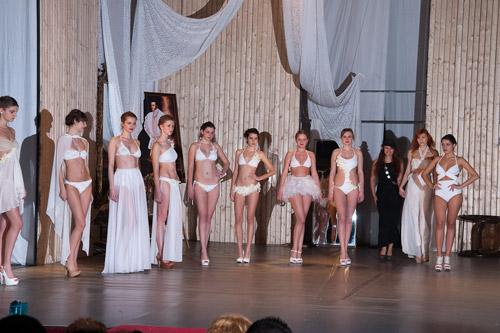 Parada rochiilor de mireasă la Teatrul de Nord Satu Mare (galerie foto)