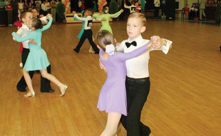 """Sâmbătă, start la """"Grădi Dance 2012"""""""