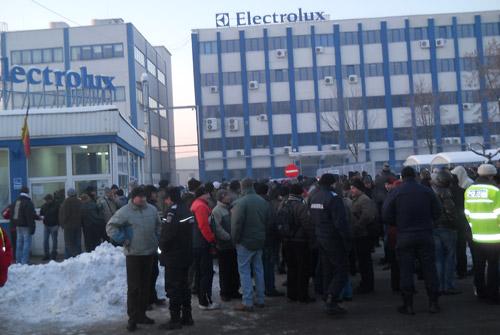 Şefii de la Electrolux, dornici de activitate cât mai lungă la Satu Mare