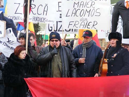 PSD a continuat astăzi protestele în Piaţa 25 Octombrie