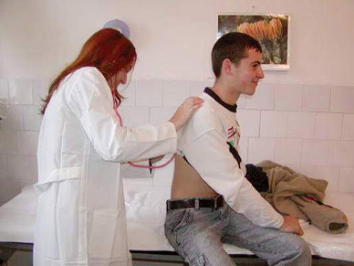 Criza de asistente medicale din şcoli a fost dezamorsată