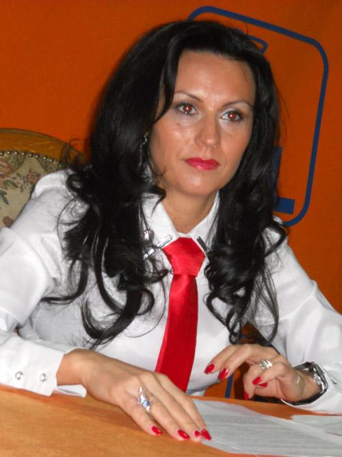 Laura Bota a demisionat din PDL şi a preluat frâiele Mişcării Populare