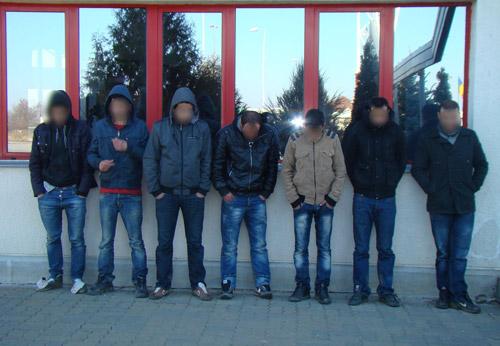 Şapte persoane reţinute la frontiera româno-ungară+