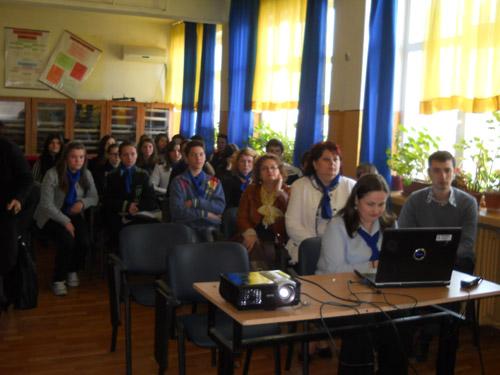 """35 de elevi de la """"Elisa Zamfirescu"""", incluşi în proiectul """"Şcoala familia mea"""""""