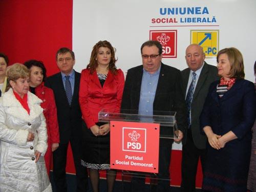 Social-democraţii sătmăreni şi-au sărbătorit colegele de partid