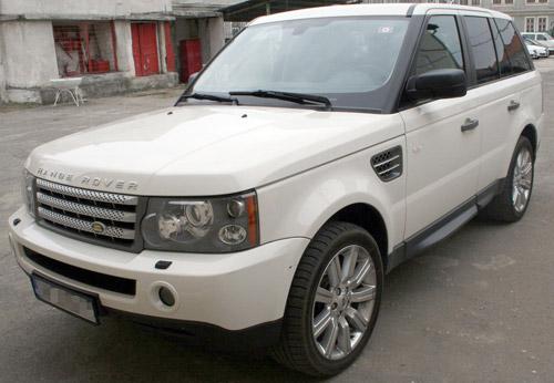 Land Rover furat din Italia, descoperit în Satu Mare