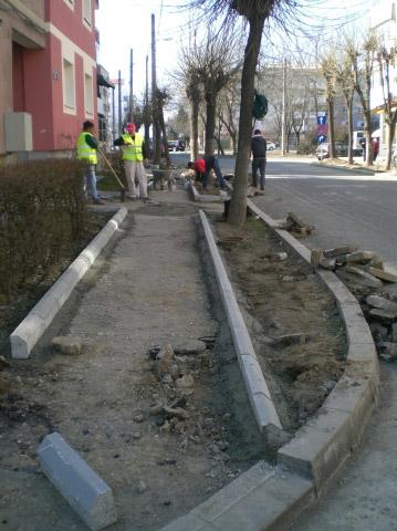 Reabilitarea trotuarelor în Micro 16