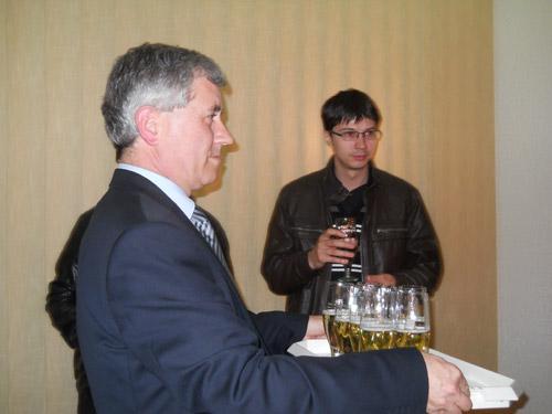 La împlinirea a 55 ani, primarul Ilyes împreună cu ziariştii