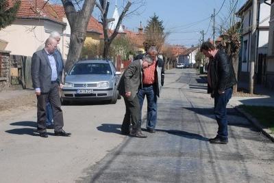 Construcţii Drumuri trebuie să refacă lucrările pe două străzi