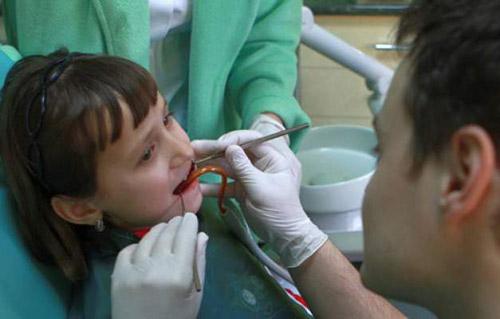 Cabinete stomatologice în şase şcoli din municipiu