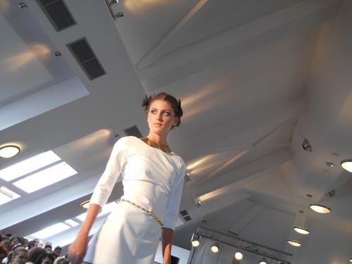 """Maraton fashion în cadrul Centrului de Excelenţă """"Confecţii de Satu Mare"""""""