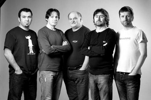 """Grupul careian """"In Extenso"""" filmează la Bucureşti"""