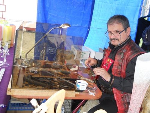 Alexandru Rotar – meşterul sticlar român faimos în Europa, acum la Satu Mare