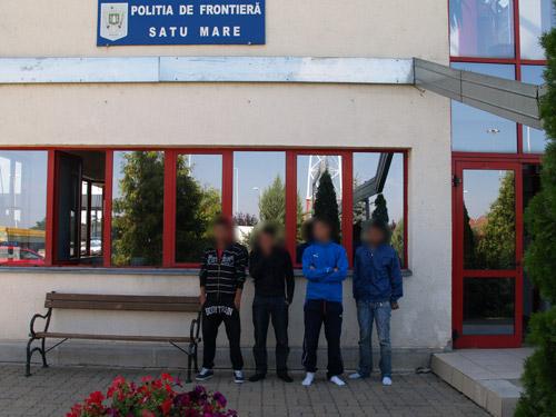 Patru marocani reţinuţi la Petea