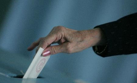 SURSE: Aproape 2 milioane de oameni scoşi până acum din listele electorale permanente!
