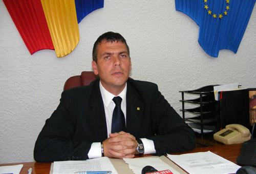 Adrian Ştef nu este de acord cu poziţia directorului Vulturescu referitor la situaţia de la Carei