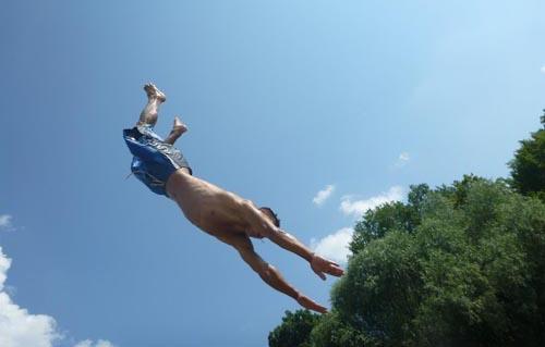 Big Jump în râul Tur