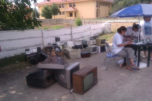 90 de tone de deşeuri electrice şi electronice colectate în cursul anului 2012