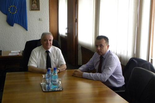 Ministrul Liviu Pop s-a întâlnit azi cu prefectul Eugeniu Avram