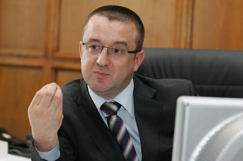 Sorin Blejnar şi Codruţ Marta, urmăriţi penal pentru evaziune fiscală
