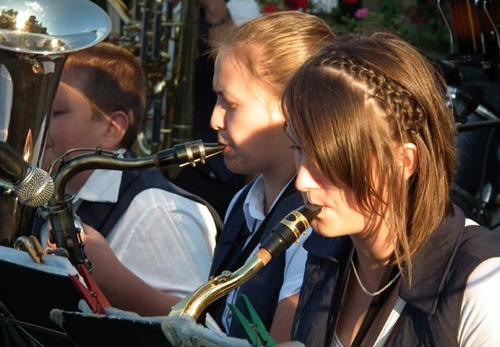 Muzică de calitate cu fanfarele din Căpleni şi Petreşti (foto + 3 video)