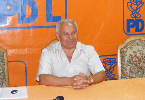 Holdiş a demisionat din funcţia de preşedinte al PDL Satu Mare. Începe războiul pentru şefia partidului