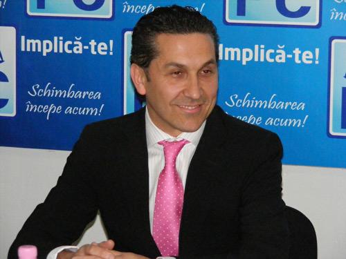 Cristinel Smadu a fost schimbat din funcția de director al  CN Aeroporturi Bucureşti