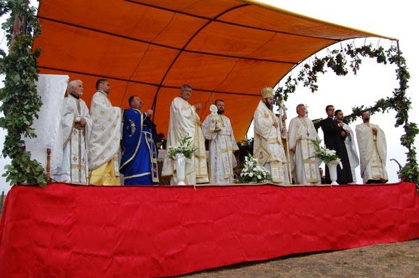 PS Iustin Sigheteanul a oficiat liturghii la Valea Morii, Beltiug şi Supuru de Sus