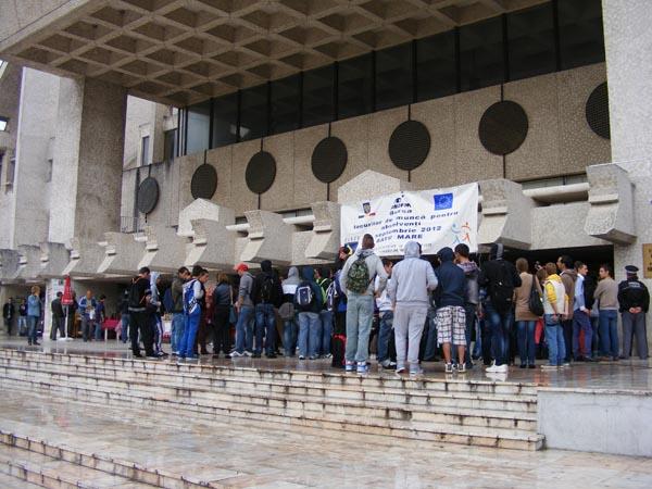 Reprezentanţii AJOFM dezamăgiţi de slaba participare a angajatorilor la Bursă