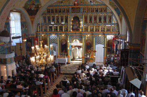 Adrian Ştef a participat la hramul bisericii ortodoxe din Pomi