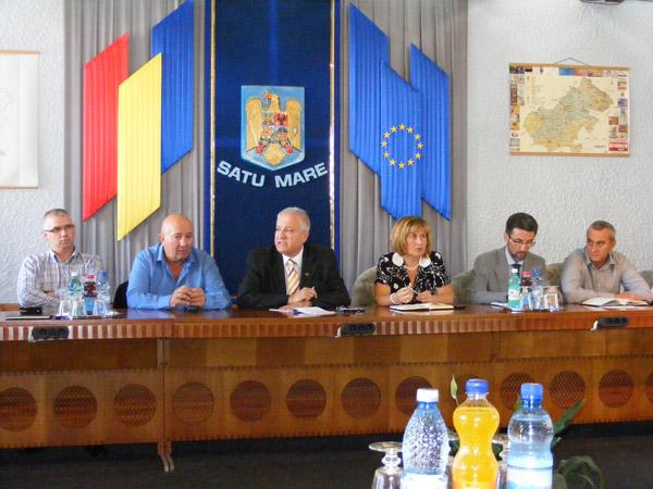 Întâlnire cu scântei între reprezentanții statului și cei ai mediului de afaceri