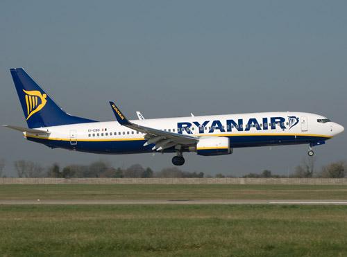 Ryanair, acuzată că zboară cu rezervorul aproape gol
