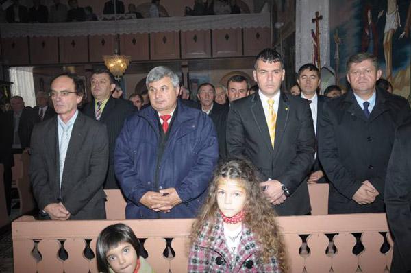 Adrian Ştef și Octavian Petric au participat la hramul bisericii din Crucişor