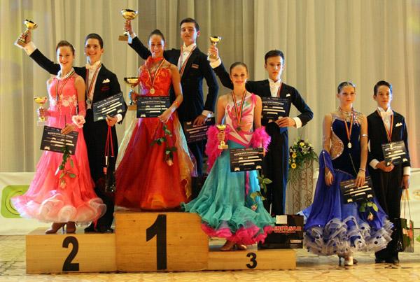 """Dansatorii de la """"Royal Dance Club"""" Satu Mare, din nou la înălţime"""
