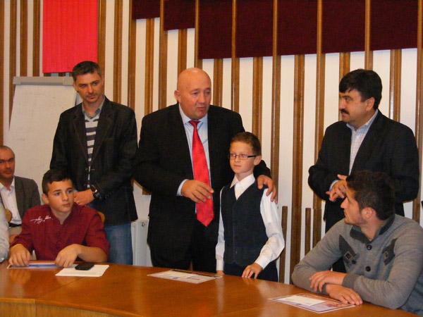 Primarul Dorel Coica a premiat o nouă serie de sportivi și antrenori sătmăreni