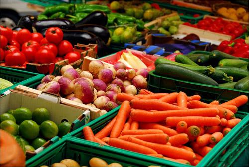 În piețe vor fi vândute doar legume şi fructe românești