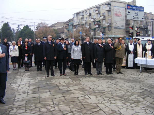 Ziua Armatei române – sărbătorită şi în judeţul Satu Mare (galerie foto)