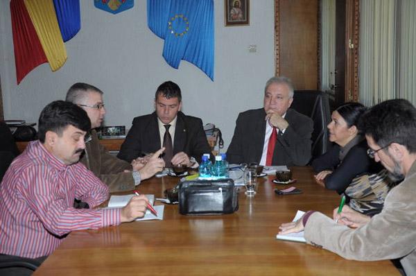 """Manifestări festive şi spectacole pentru toate vârstele de """"Ziua Naţională a României"""""""