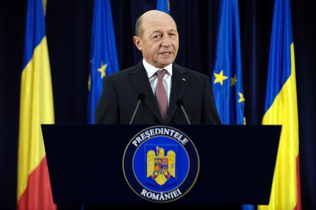 Băsescu declanșează procedura pentru un nou referendum