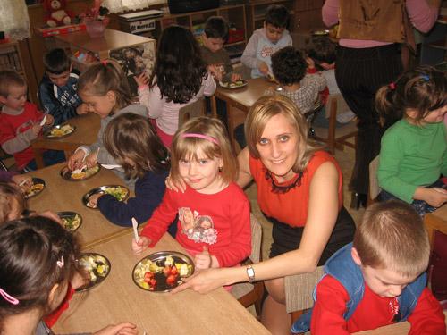 Copiii de grădiniţă şi preşcolarii intră de luni în vacanţă
