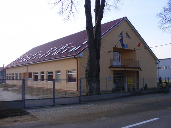 Clădire nouă pentru preşcolarii şi elevii claselor I-IV de la Medieşu Aurit