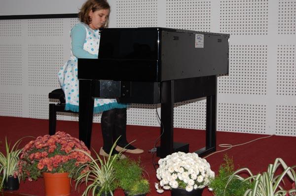 Concurs naţional de pian, sâmbătă, la Satu Mare