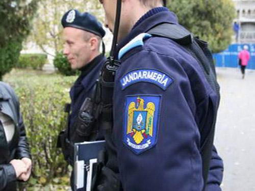 Jandarm sătmărean, judecat pentru lovirea unui bătrân