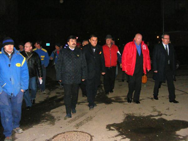 Primarul Dorel Coica a inaugurat iluminatul public pe câteva străzi din Carpaţi II şi Micro 16