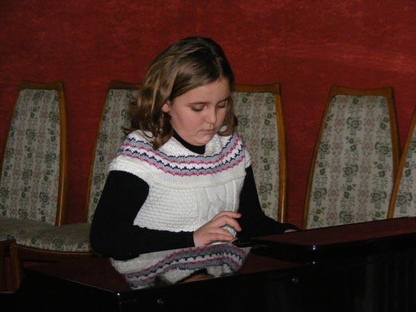 Spectacol de iarnă oferit de pianiştii de la Palatul Copiilor