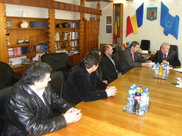 Cetăţenii din satul Ianculeşti cer ajutorul prefectului Eugeniu Avram