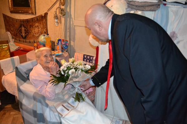 Primarul Dorel Coica în vizită la cea mai vârstnică sătmăreancă