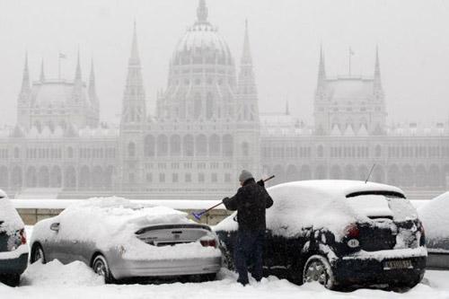 Cod roșu de ninsori în vestul Ungariei